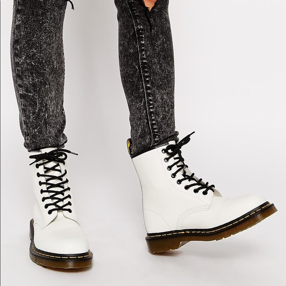 Dr. Martens 1460 8 Eye Boot in Smooth White